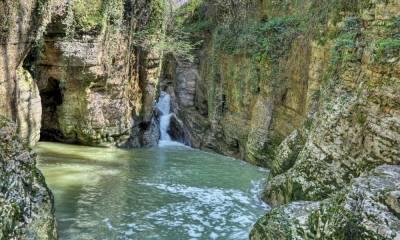 Агурские водопады на карте