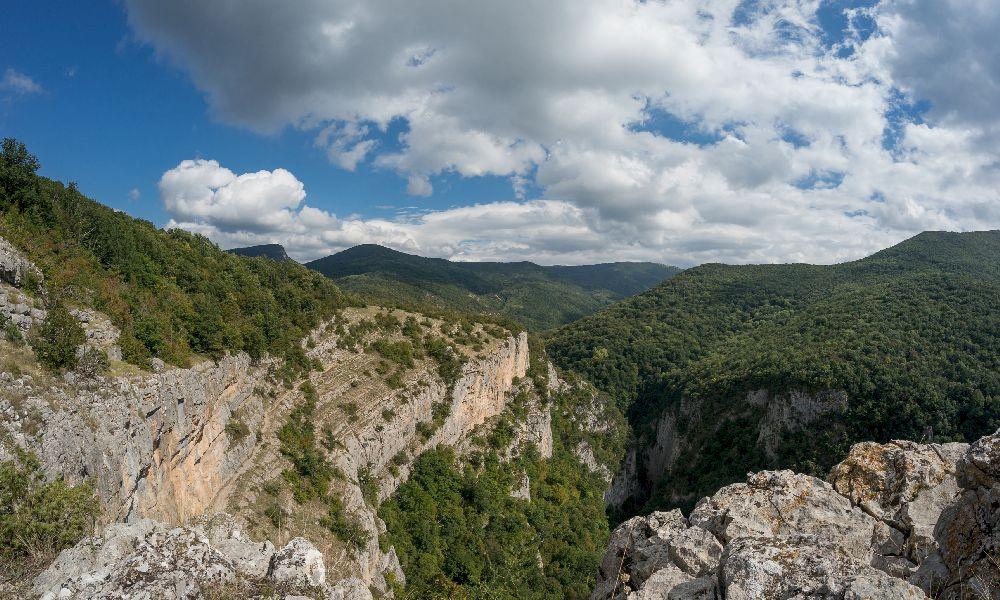 Вид на Большой каньон Крыма от Коровьего грота