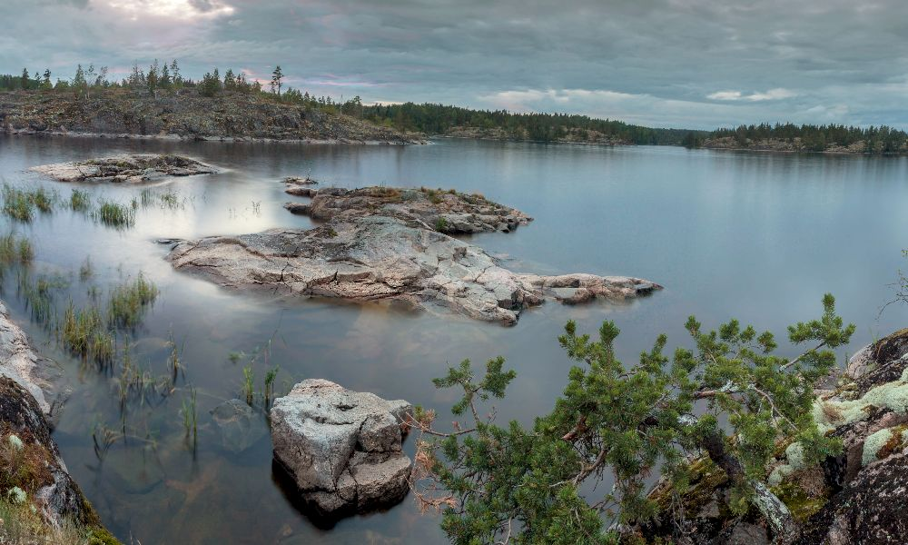 На Ладожском озере пасмурно