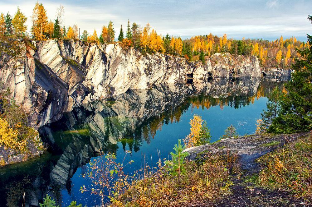 Мраморный каньон Рускеала осенью