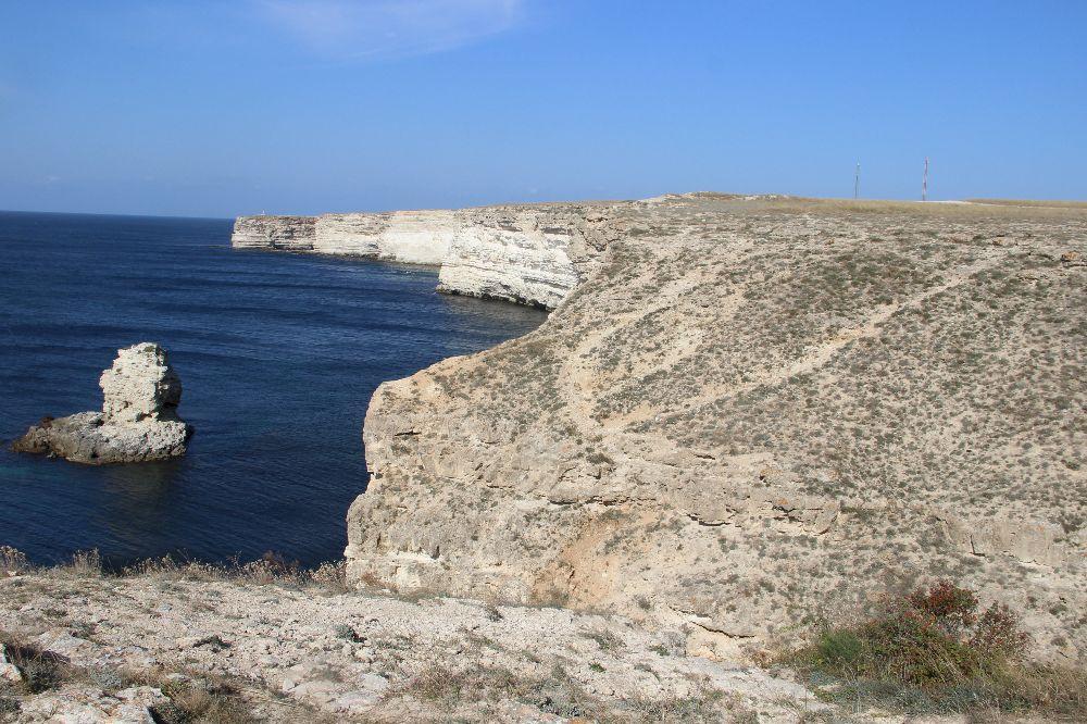 Когда лучше посетить мыс Тархакут в Крыму?