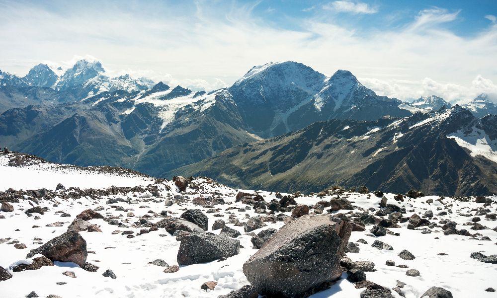 Гора Эльбрус из России