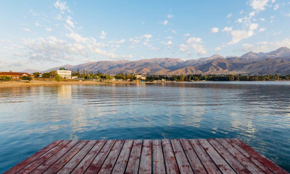 Озеро Иссык Куль Киргизия