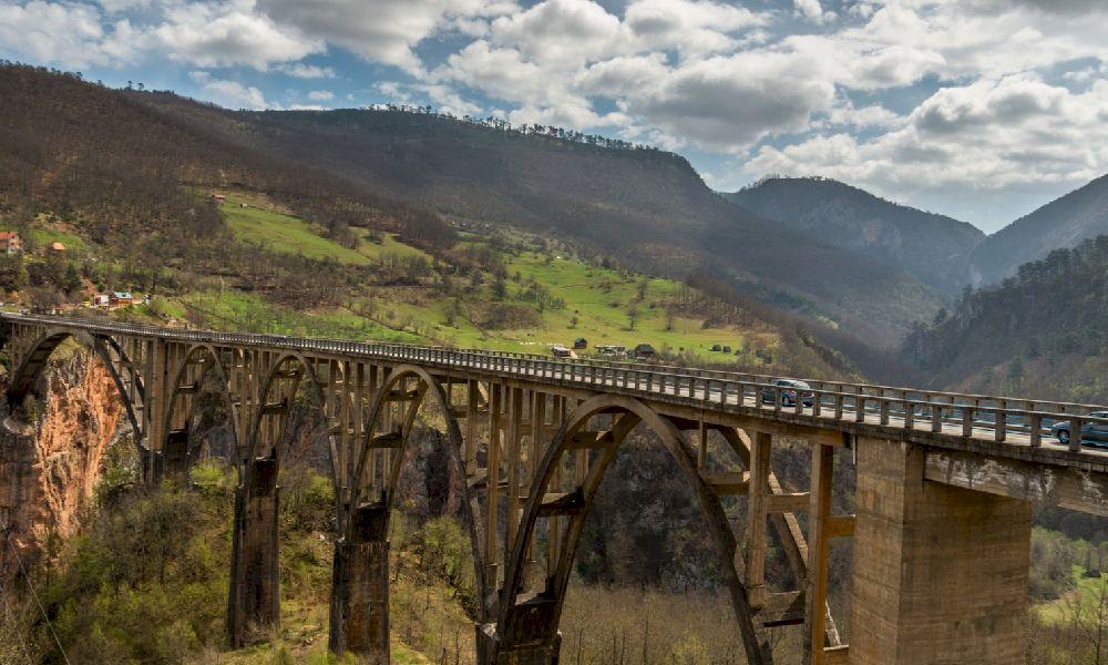 Каньон реки Тара мост Джурджевича