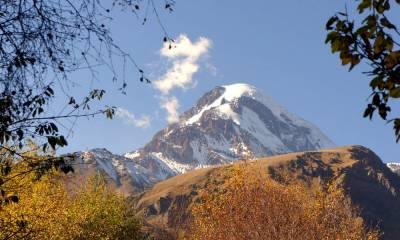 гора Казбек находится